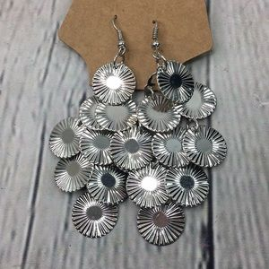 5/$25 Victorian chic cascading earrings